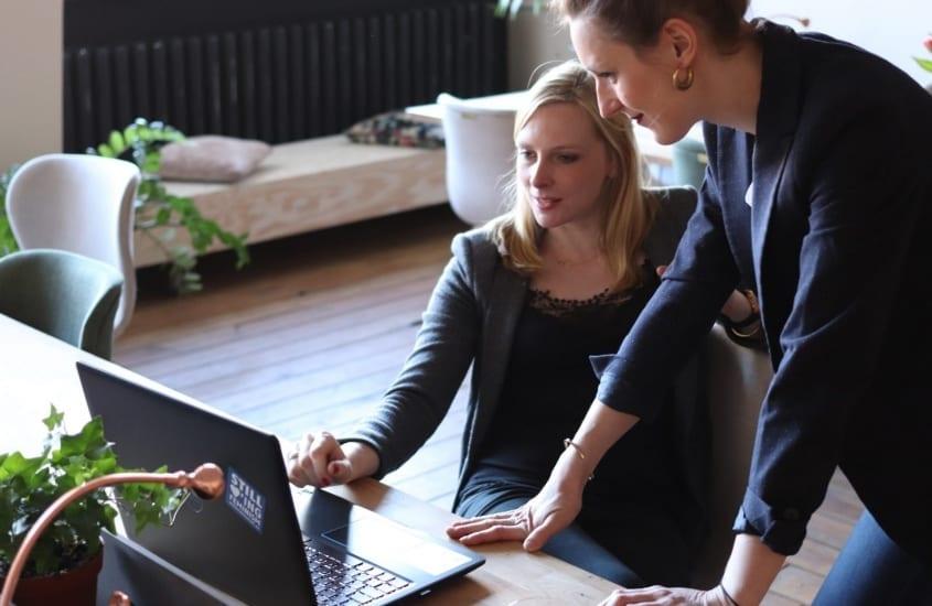 Managers study human behaviour 1